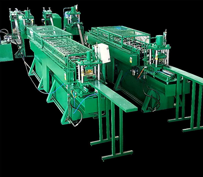 Rack beam roll forming machine