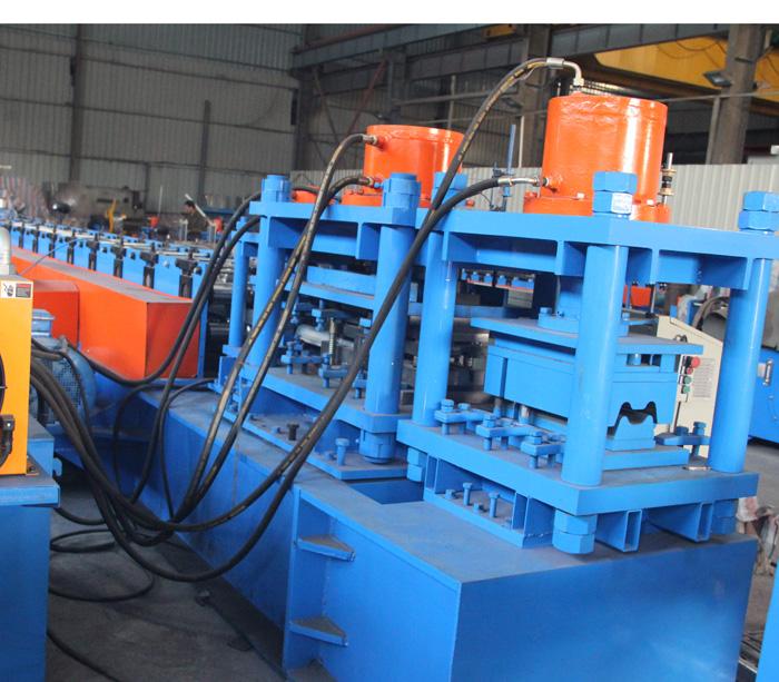 Oборудование для производства ограждение Шоссе защитный барьер Профилегибочная машина