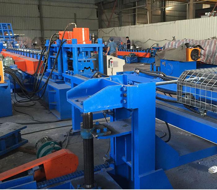 балок барьерного ограждения Профилегибочная машина производитель