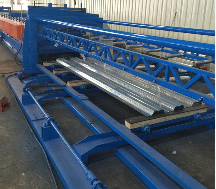 Оборудование для производства напольной палубной панели