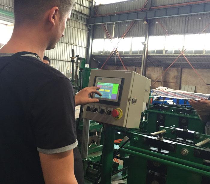 Оборудование для производства профилей стеллажных систем