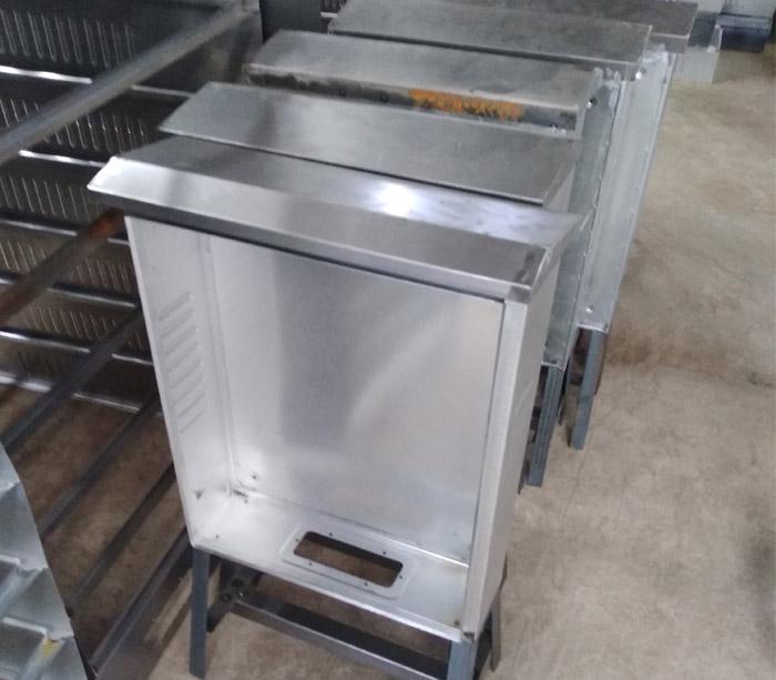 Машина для производства распределительных щитов для наружной / внутренней коробки