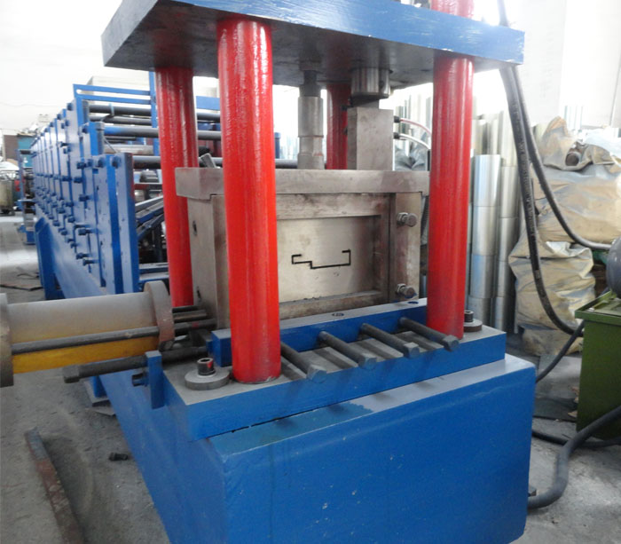 Оборудование для производства Подвижной затвор дверь перекладина формирование машина