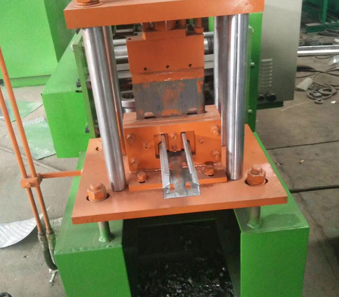 Shelf laminate roll forming machine